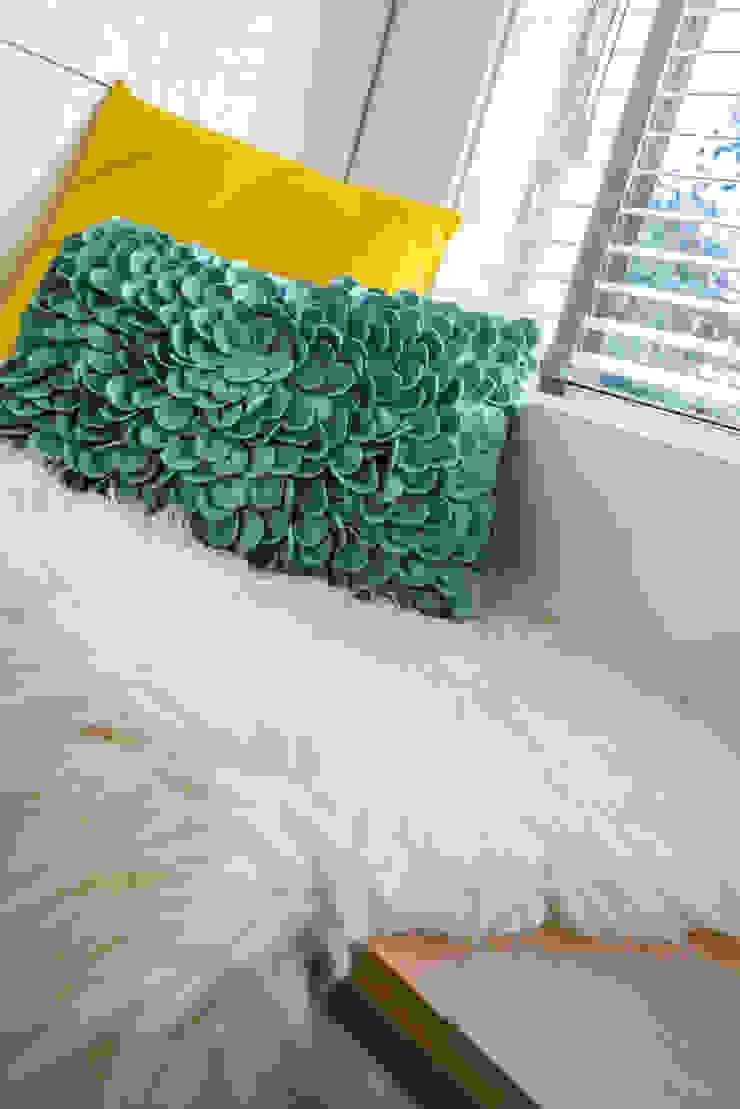 Masters of Interior Design Ruang Keluarga Modern White