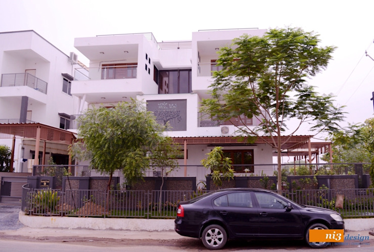 FRONT ELEVATION Modern Houses by ni3design Modern