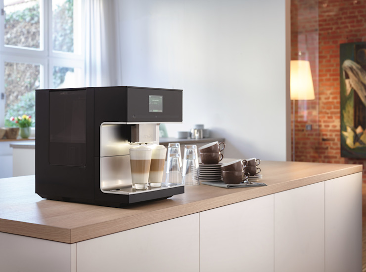 Miele CM7300 Coffee Machine di Hehku Moderno