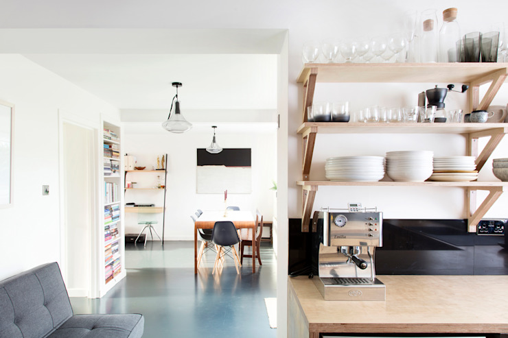Buckstone Kobod Ltd インダストリアルデザインの キッチン 合板(ベニヤ板)