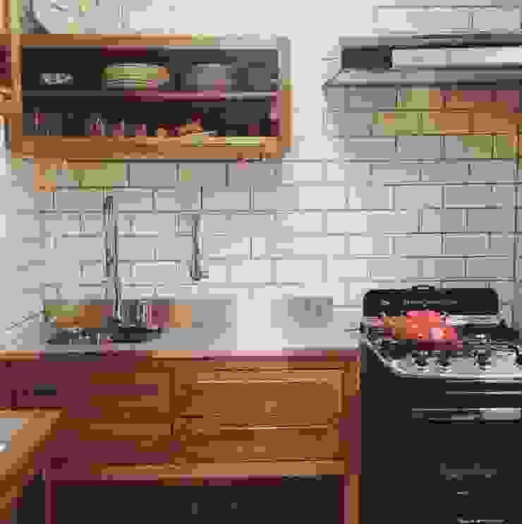 Casa Veloso Cozinhas ecléticas por TR3NA Arquitetura Eclético