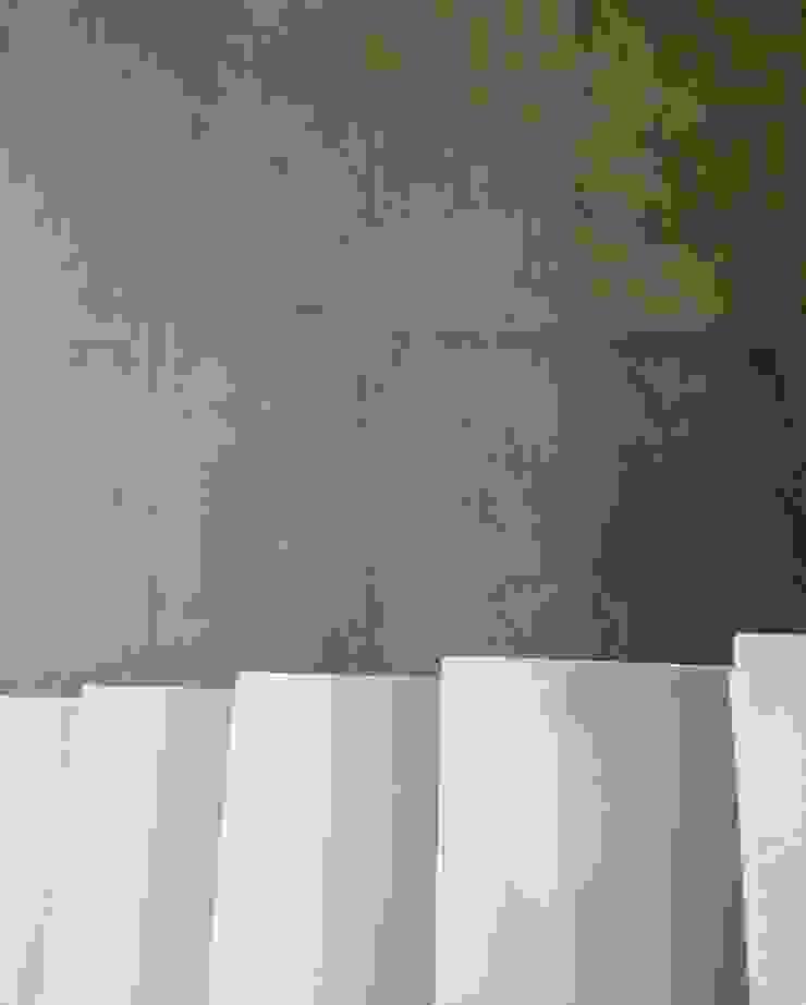 Corredores, halls e escadas modernos por TR3NA Arquitetura Moderno