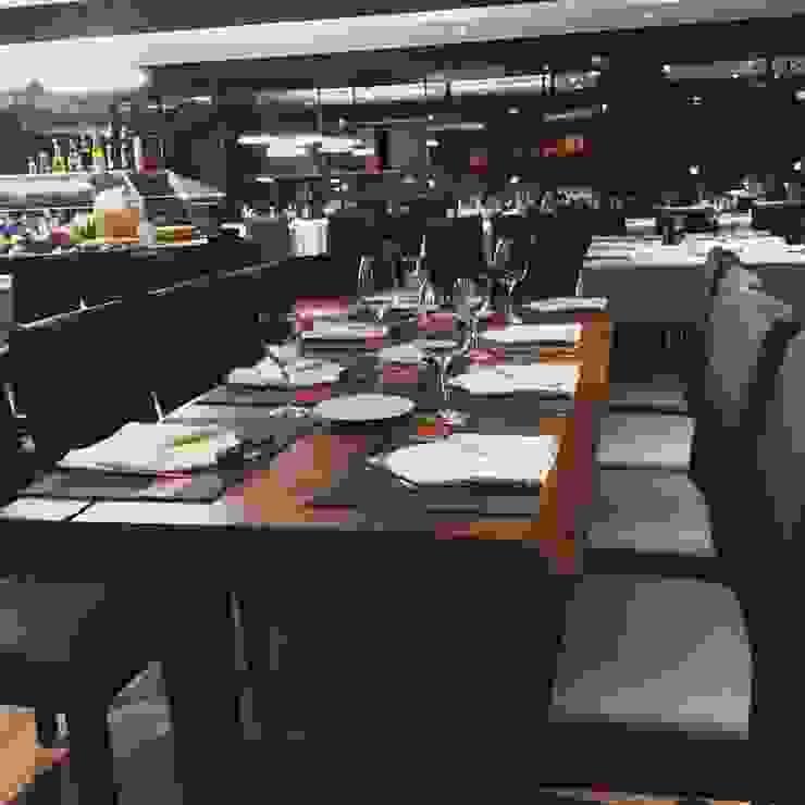 Rustic style dining room by Empório Brasil Marcenaria Rustic