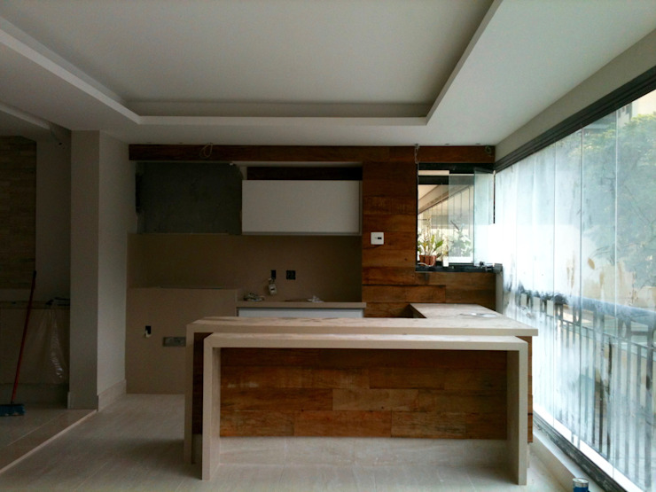 Apartamento Chácara Klabin Varandas, marquises e terraços rústicos por TR3NA Arquitetura Rústico