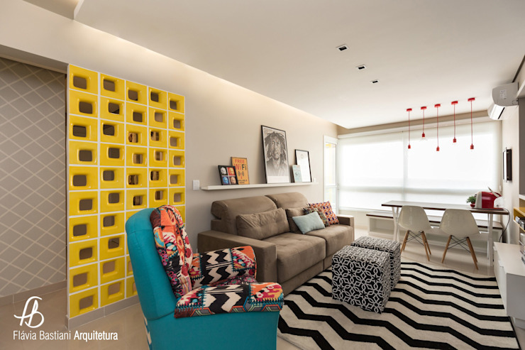 Flávia Bastiani Arquitetura Living room Multicolored