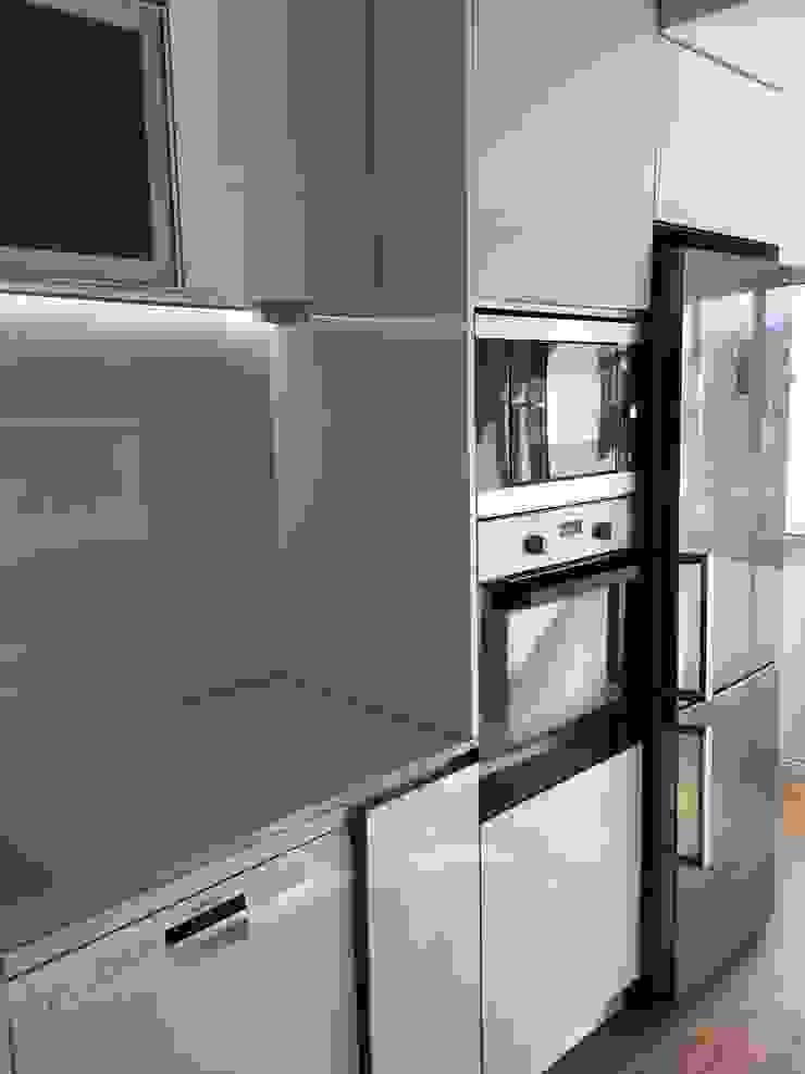 Obra Casa Branca Cozinhas modernas por Obras & Detalhes, Engenharia e Construção Moderno
