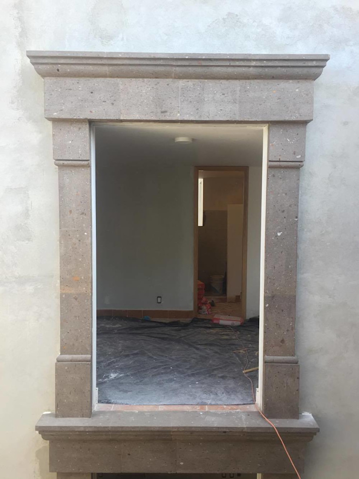 Canteras Villa Miranda Rumah Klasik Grey