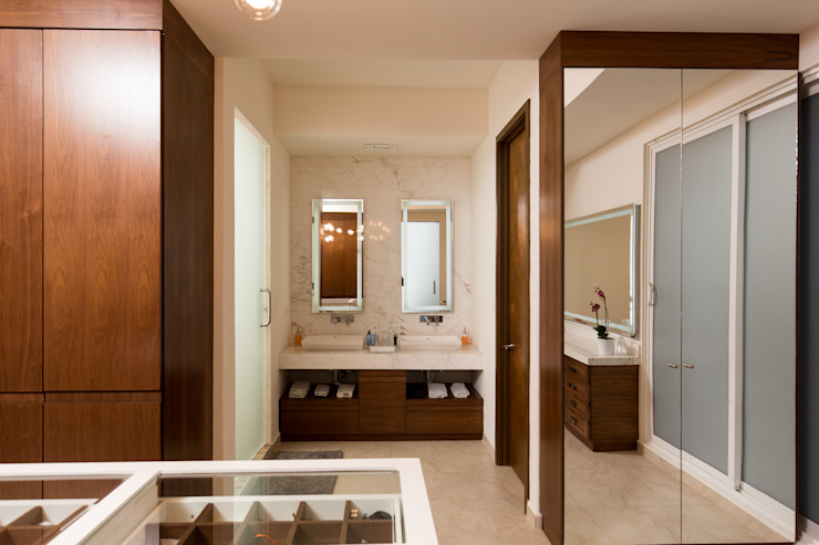 FM Modern Dressing Room by TAMEN arquitectura Modern