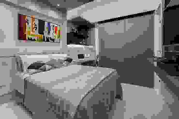 Phòng ngủ phong cách chiết trung bởi Tânia Póvoa Arquitetura e Decoração Chiết trung