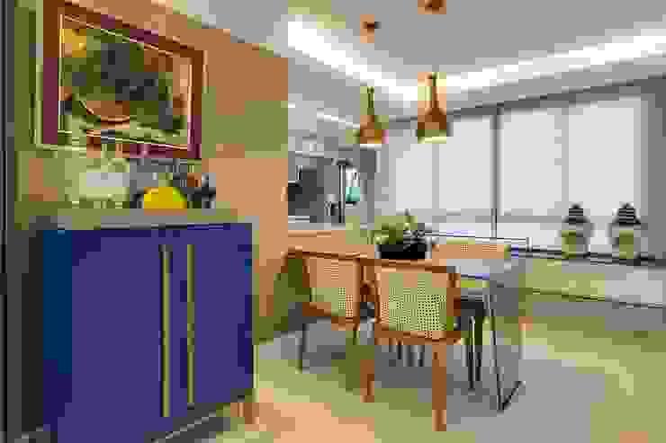 Nhà bếp phong cách chiết trung bởi Tânia Póvoa Arquitetura e Decoração Chiết trung