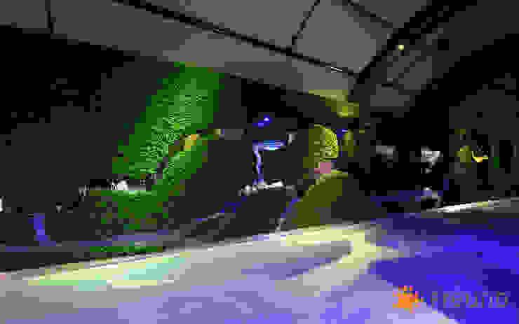 Freund GmbH Salas multimedia de estilo ecléctico Verde