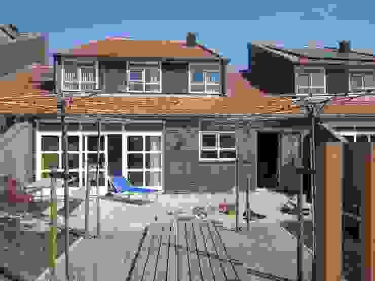 Giardino in stile  di GroenerGras Hoveniers