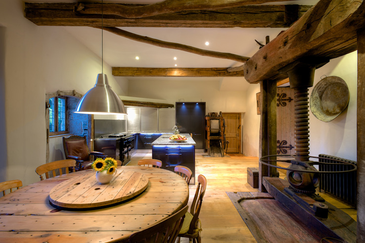 Old Newnham Farm Classic style kitchen by ADG Bespoke Classic