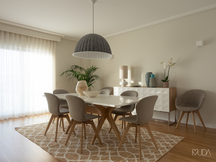 Dining room by MUDA Home Design, Modern