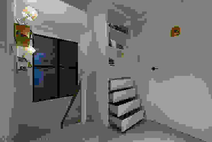 皞・巢居 斯堪的納維亞風格的走廊,走廊和樓梯 根據 藻雅室內設計 北歐風