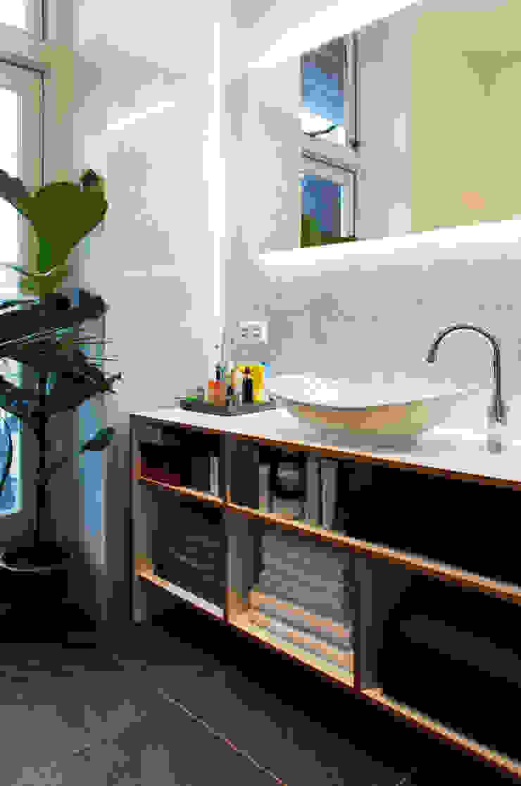 Amsteldijk Eclectische badkamers van Kevin Veenhuizen Architects Eclectisch Marmer