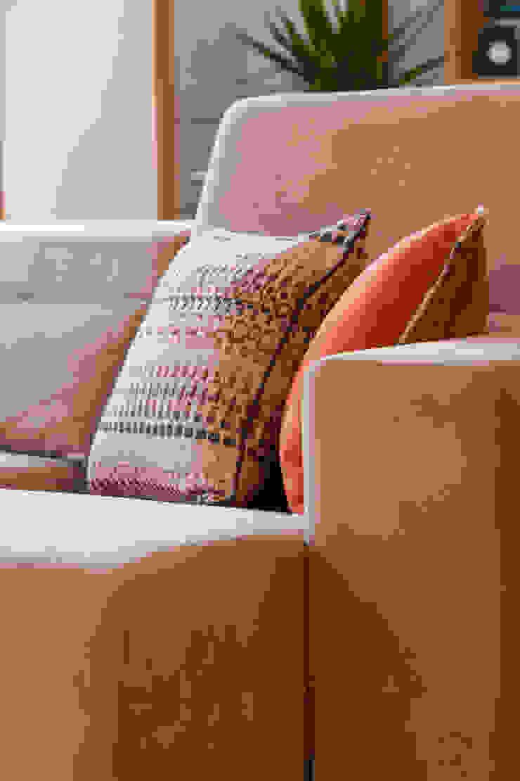 Sala Comum_Zona de estar por Traço Magenta - Design de Interiores Moderno