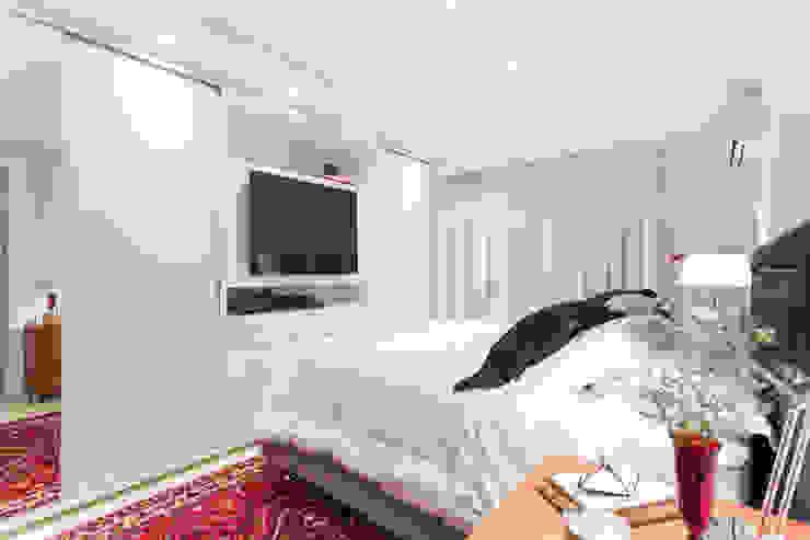 Minimalist bedroom by Pura!Arquitetura Minimalist