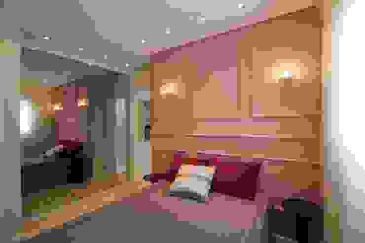 Chambre moderne par Pricila Dalzochio Arquitetura e Interiores Moderne