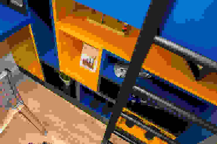 Modern style bedroom by Pricila Dalzochio Arquitetura e Interiores Modern