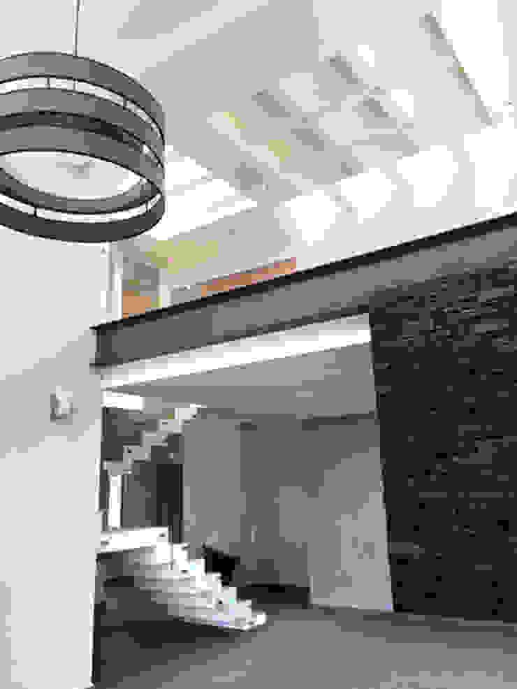 Sendero Salones minimalistas de Base-Arquitectura Minimalista