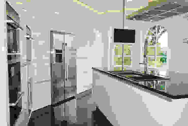 Planungsbüro für Innenarchitektur Cocinas de estilo moderno