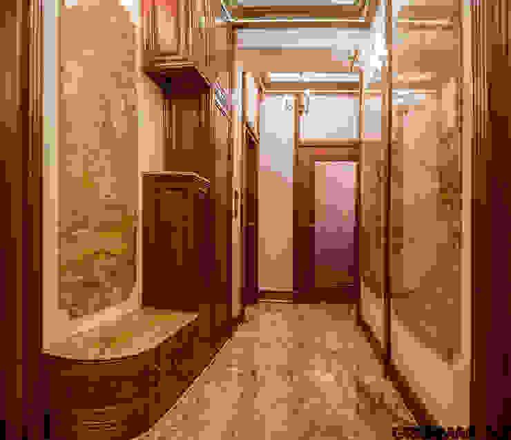 Posadzka półki i panele ścian z granitu Imperial Gold Klasyczny korytarz, przedpokój i schody od GRANMAR Borowa Góra - granit, marmur, konglomerat kwarcowy Klasyczny Granit