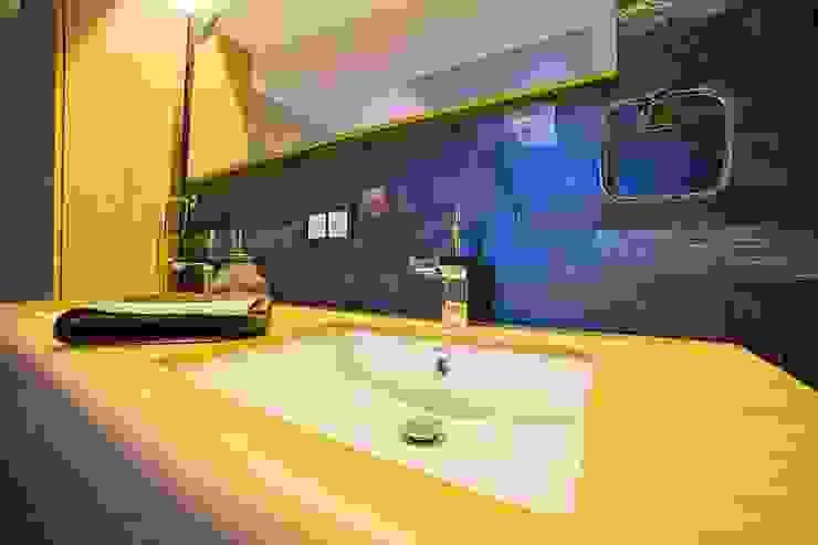 Özer Residence Minimalist Banyo Onn Design Minimalist Ahşap Ahşap rengi