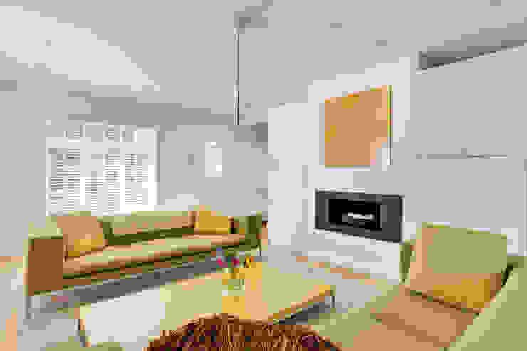 Private Residential Refurbishment, Kent Modern living room by STUDIO 9010 Modern