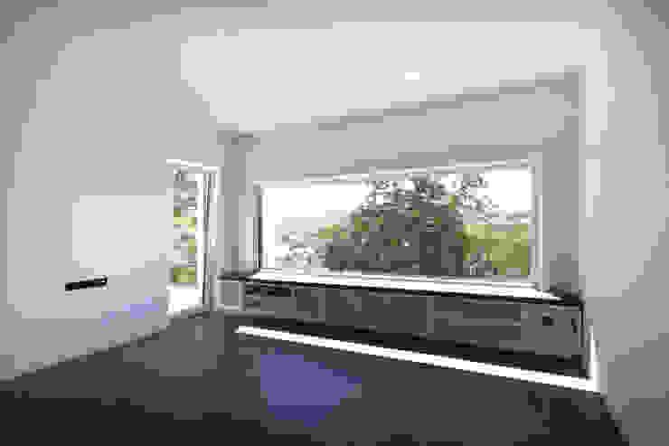 Modern Oturma Odası Planungsgruppe Korb GmbH Architekten & Ingenieure Modern