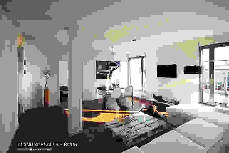 غرفة المعيشة تنفيذ Planungsgruppe Korb GmbH Architekten & Ingenieure,