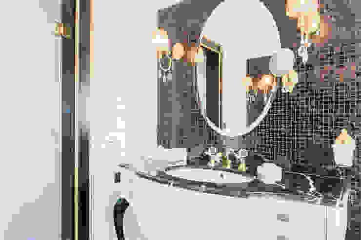 Black & White Classical Gracious Luxury Interiors Classic style bathroom Black