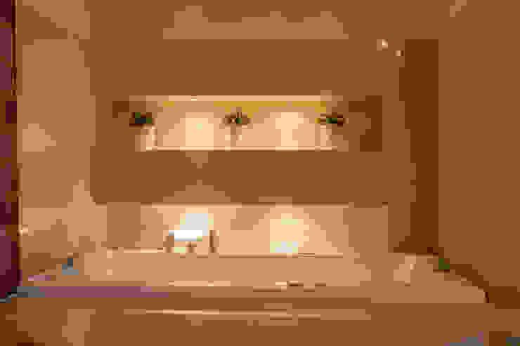 Downlighting Bath Gracious Luxury Interiors Modern Bathroom Beige