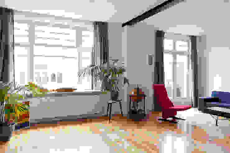 Soggiorno in stile  di Kevin Veenhuizen Architects