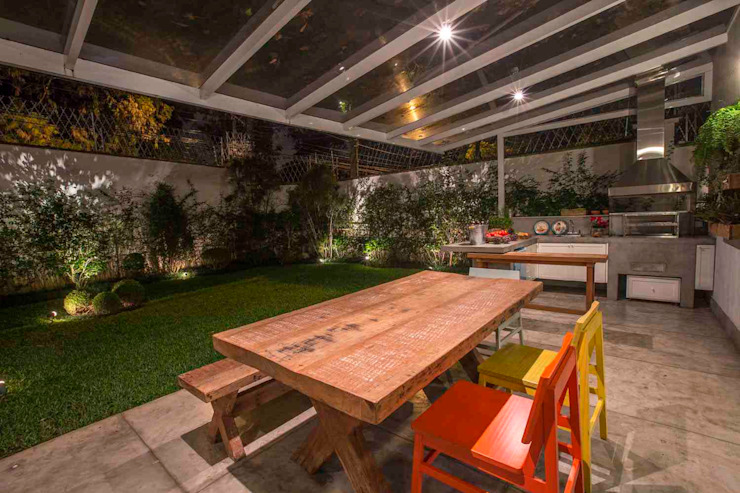 Patios & Decks by IDALIA DAUDT Arquitetura e Design de Interiores, Country
