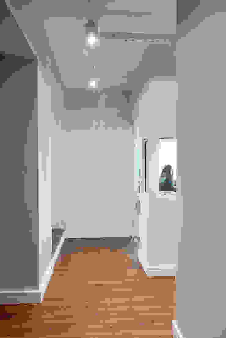 RICARDOTRAMONTINA.ART Minimalist study/office