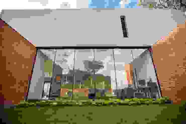 Casa Finca Cuyaya Horizontal Arquitectos Casas modernas: Ideas, imágenes y decoración