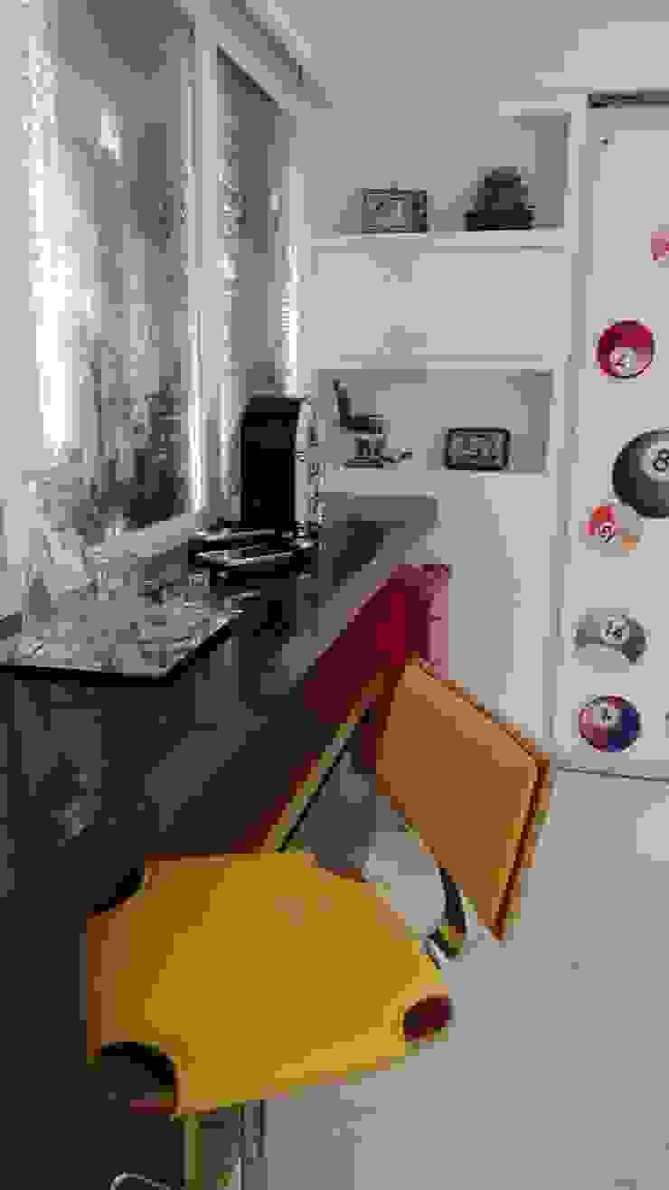 Modern Home Wine Cellar by Ivonete Teixeira Arquitetura Modern