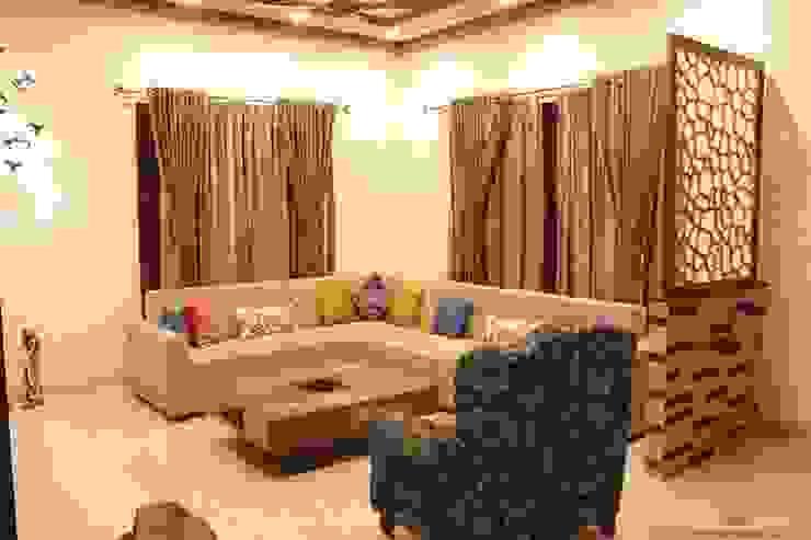 5 BHK Villa Home Interiors in Bangalore: minimalist  by Inner Space,Minimalist Engineered Wood Transparent