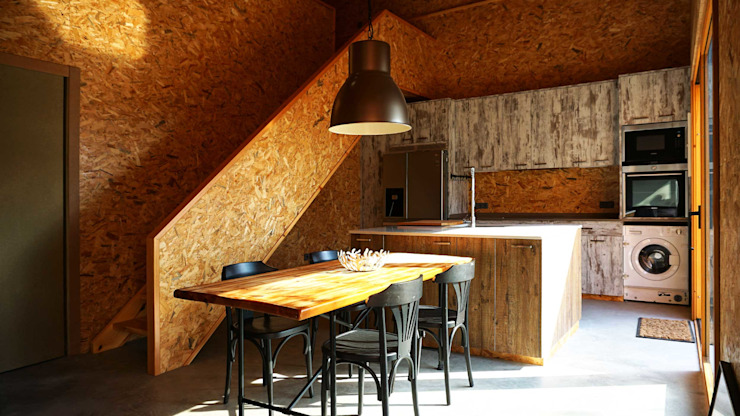 Industrial style dining room by RIBA MASSANELL S.L. Industrial Wood Wood effect