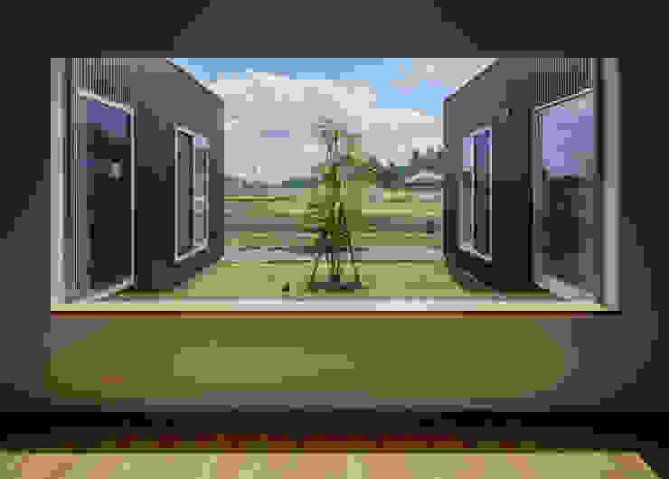 Modern Dressing Room by カトウアーキテクトオフィス Modern