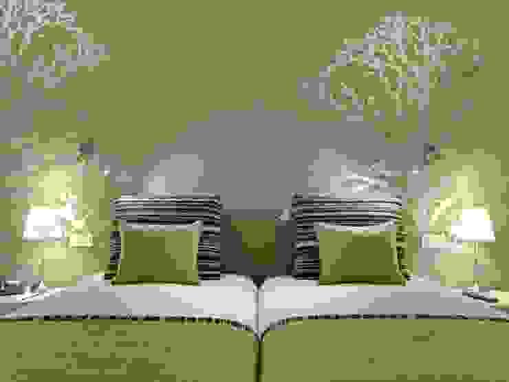 Hotel Inglaterra Quartos modernos por MARIA ILHARCO DE MOURA ARQUITETURA DE INTERIORES E DECORAÇÃO Moderno