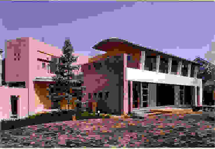 Casas de estilo mediterráneo de 豊田空間デザイン室 一級建築士事務所 Mediterráneo Arenisca