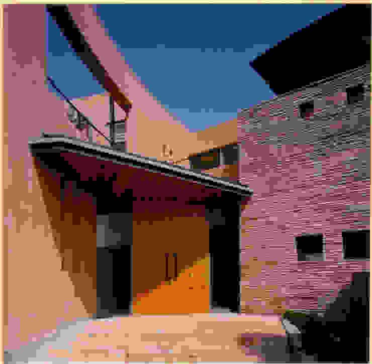 Houses by 豊田空間デザイン室 一級建築士事務所, Mediterranean