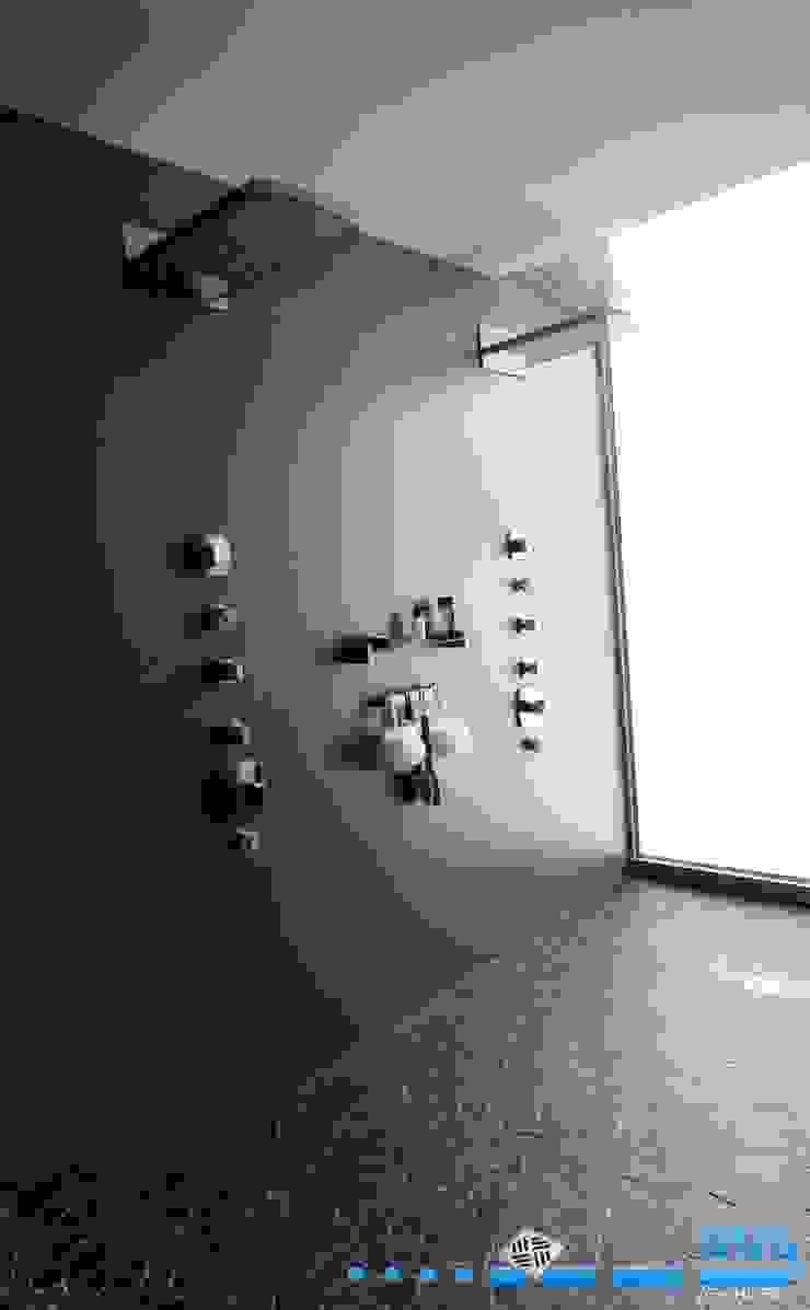 Preller Clifton Modern bathroom by DV8 Architects Modern