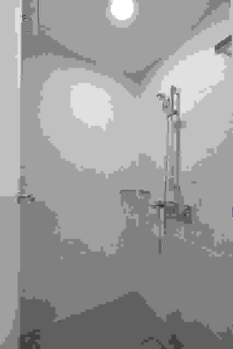 선적리 전원주택 모던스타일 욕실 by (주)그린홈예진 모던