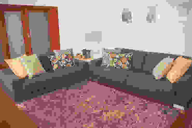 Sunny Grey - Apartamento em Miramar Salas de estar modernas por Perfect Home Interiors Moderno