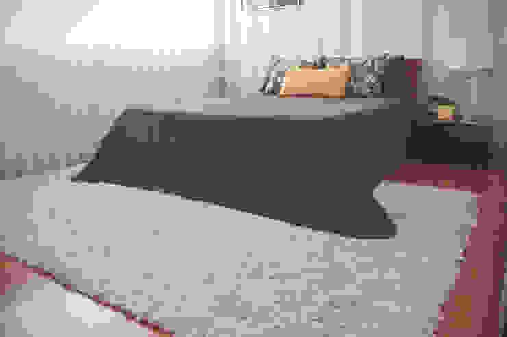 Sunny Grey - Apartamento em Miramar Quartos minimalistas por Perfect Home Interiors Minimalista