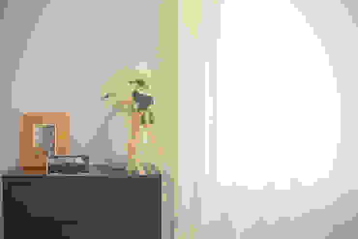 Sunny Grey - Apartamento em Miramar por Perfect Home Interiors Eclético