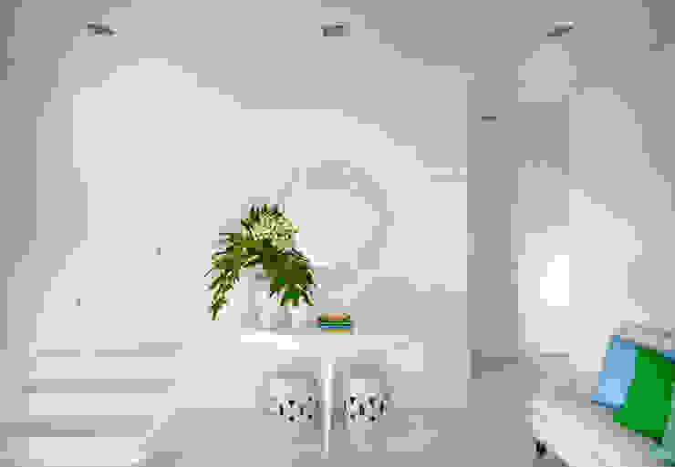 Pasillos, vestíbulos y escaleras de estilo moderno de Prego Sem Estopa by Ana Cordeiro Moderno